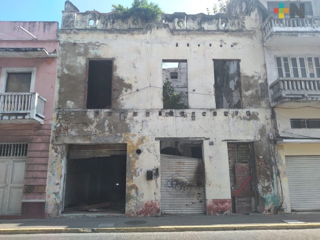 Edificios abandonados en  Centro Histórico de Veracruz son un peligro