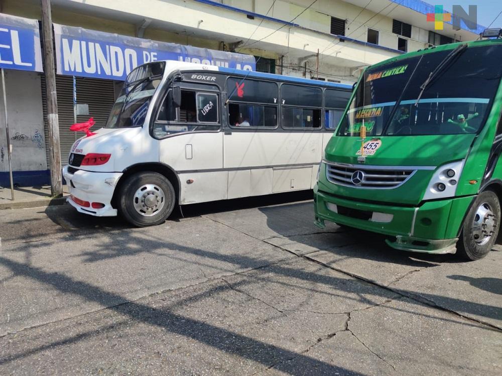 En Coatzacoalcos, continúa el abandono de rutas de transporte urbano debido a pandemia