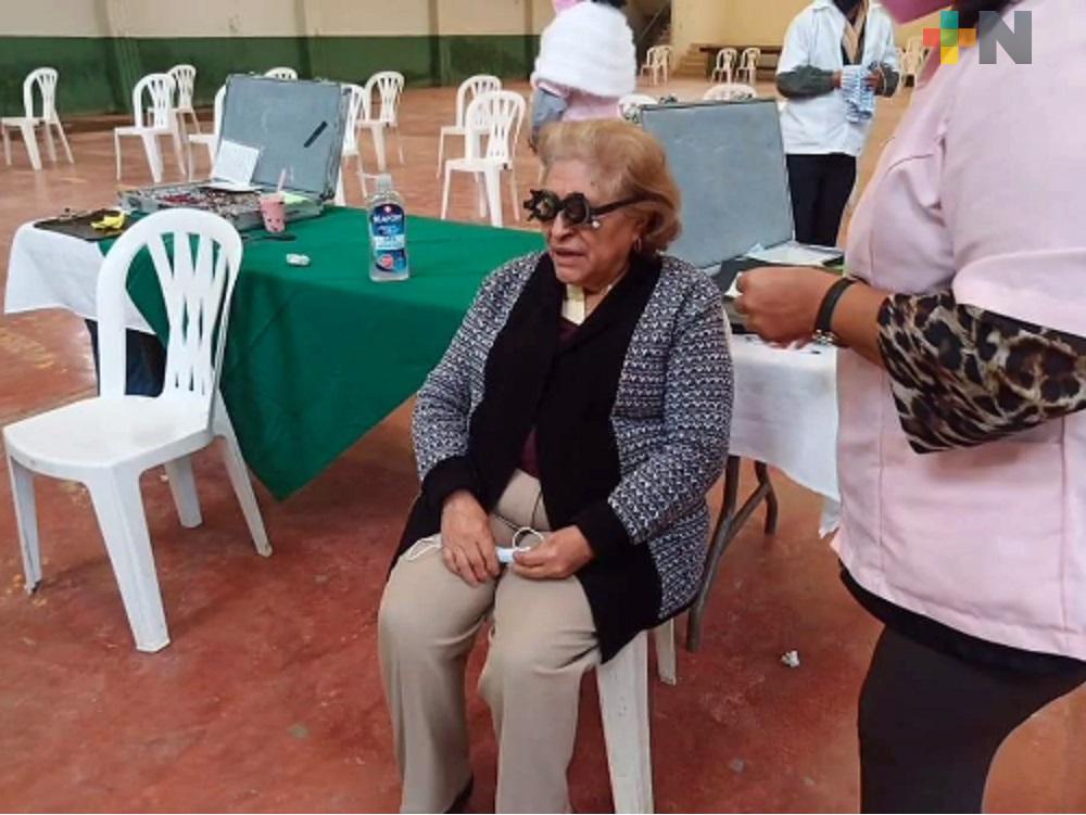 En Ixhuatlán de Madero se llevó a cabo la jornada de salud visual