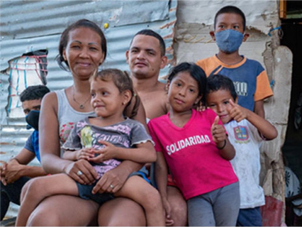 España muestra su compromiso con los refugiados y migrantes latinoamericanos