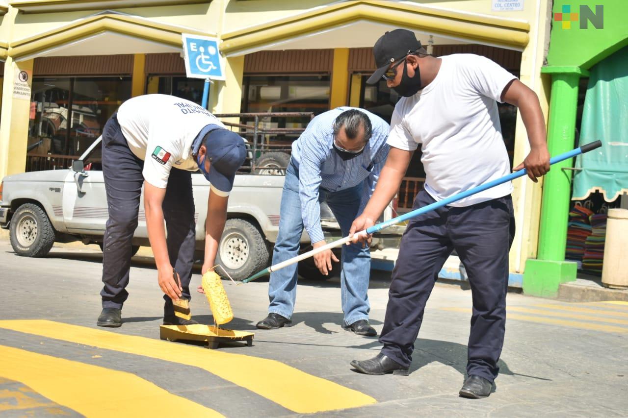 Dan mantenimiento a calles de Tantoyuca
