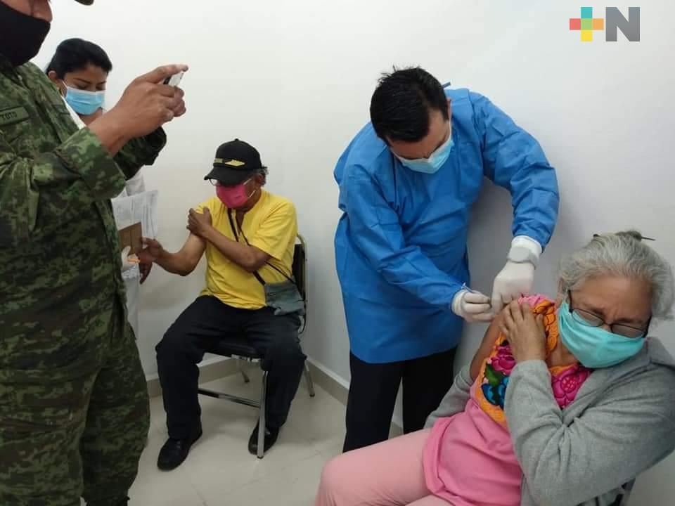 Realizan Jornada de Salud Visual en Ixhuatlán de Madero