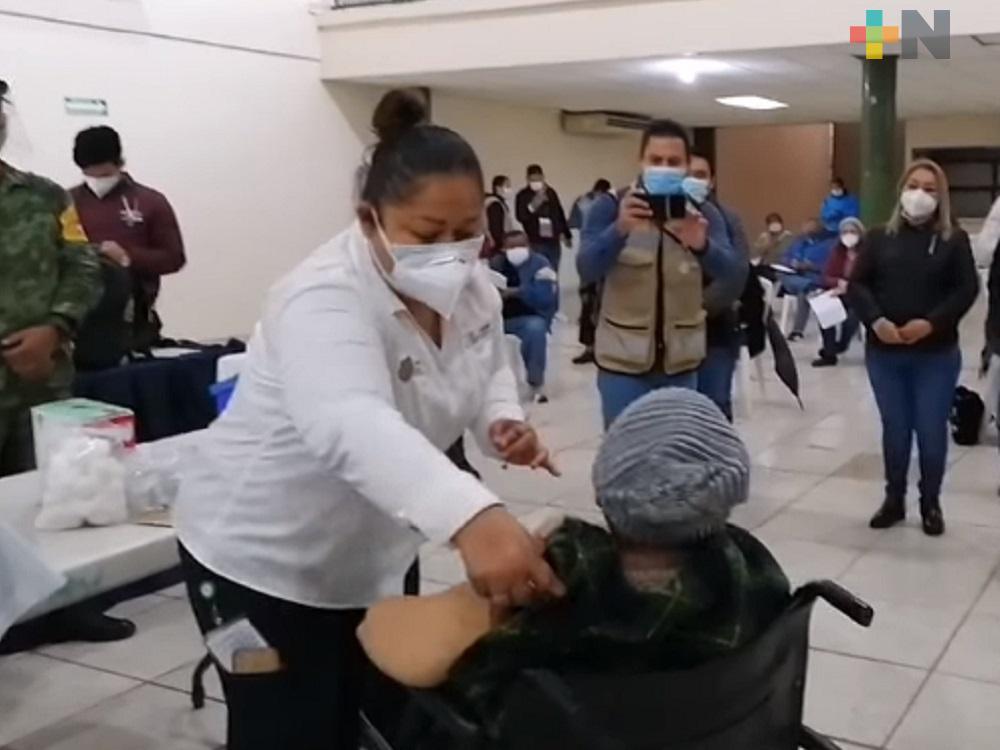 Tienes 60 años? Ubica qué día y dónde debes ir a vacunarte en el puerto de Veracruz