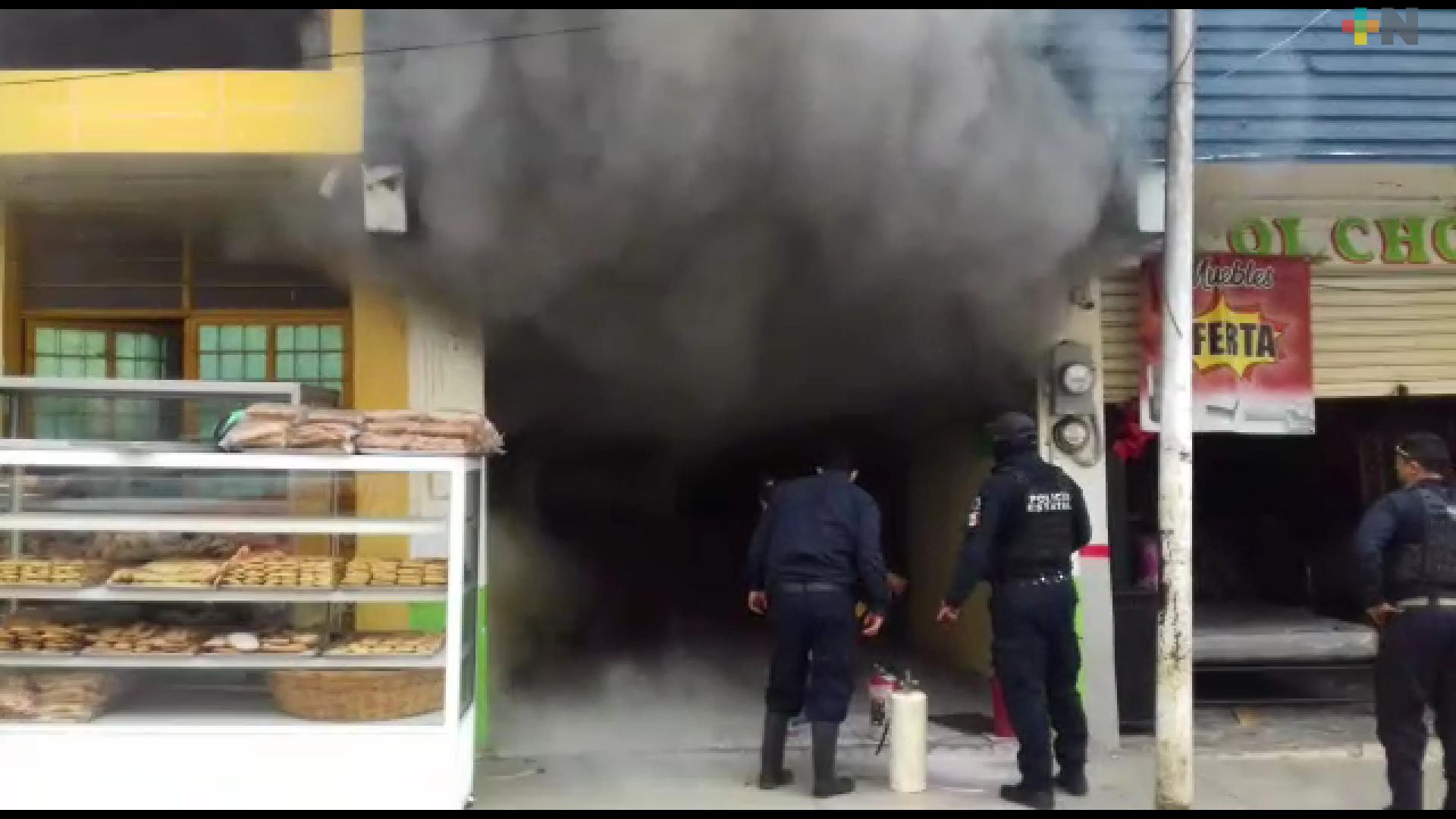 Controlan incendio en panadería de Tlapacoyan