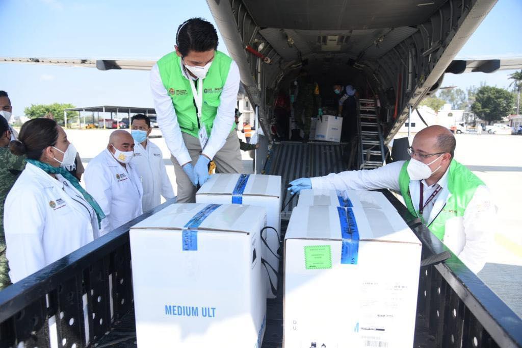 Llegaron a Veracruz más vacunas anticovid para personal de salud y adultos mayores