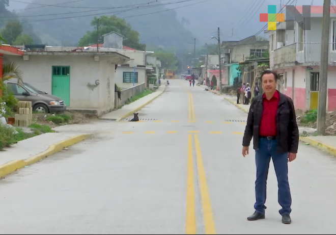 El gobernador del Estado supervisó obra realizada en tramo Tlachinol-Coacoatzintla