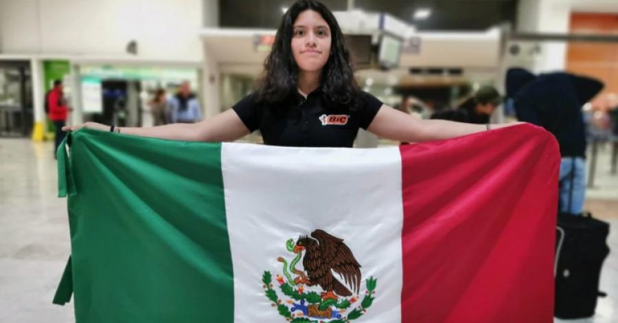Karla Munguía, primera mujer en ganar 3 medallas en matemáticas