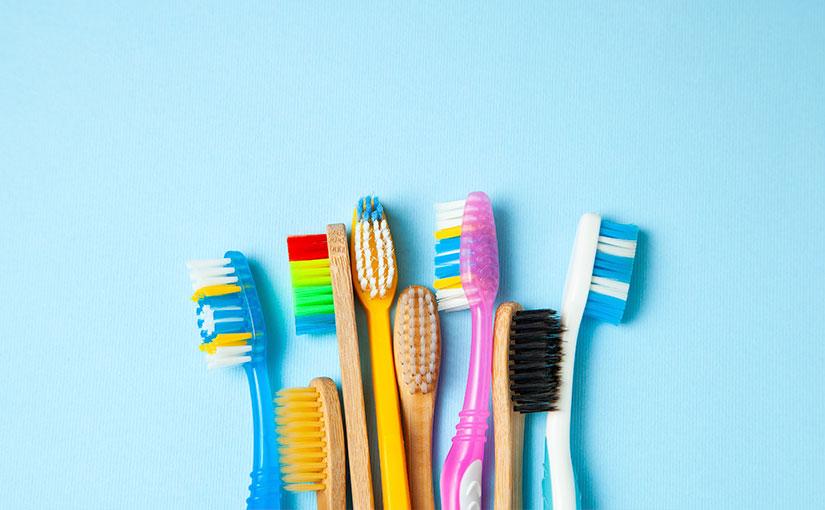 El coronavirus puede estar en tu cepillo de dientes. Conoce cómo desinfectarlo