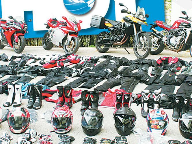 Además de Ferrari, ex tesorero de Granier tenía 4 motocicletas de lujo