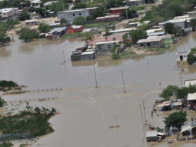 Lluvia provoca cierres y desalojos de escuelas de Ciudad Victoria, Tamaulipas