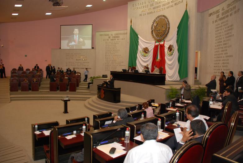 Aprobó Congreso de Veracruz licencia a 13 legisladores para separarse de sus cargos
