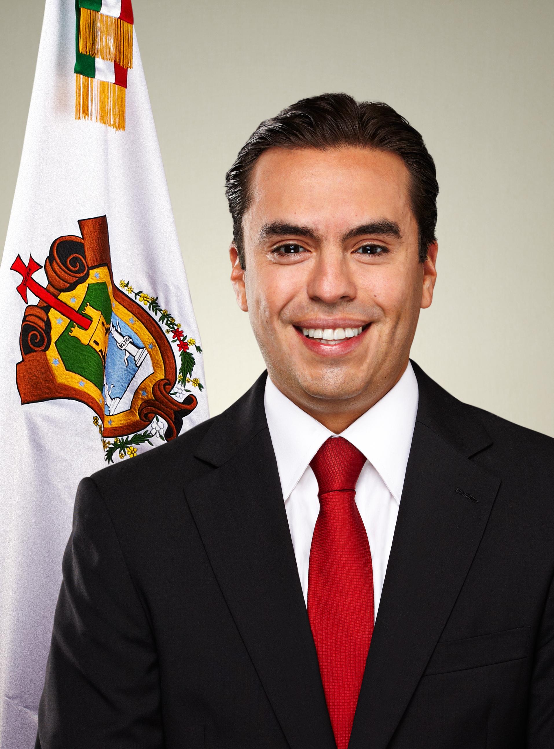 No ha aumentado deuda en Veracruz: Fernando Charleston