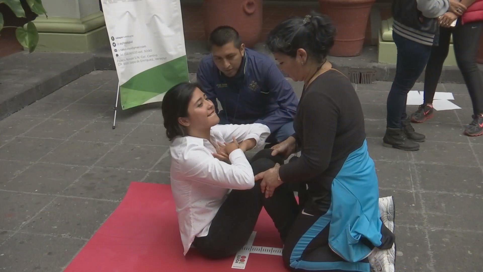 """Llevan la campaña """"Réstale kilos por tu salud"""" al Ayuntamiento de Xalapa"""