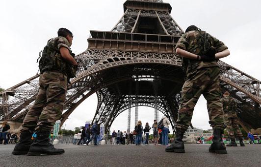 Crean impuesto para financiar fondo para víctimas de terrorismo en Francia