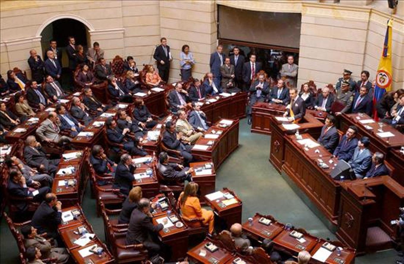 Aprueban Ley de Amnistía para las FARC en Colombia