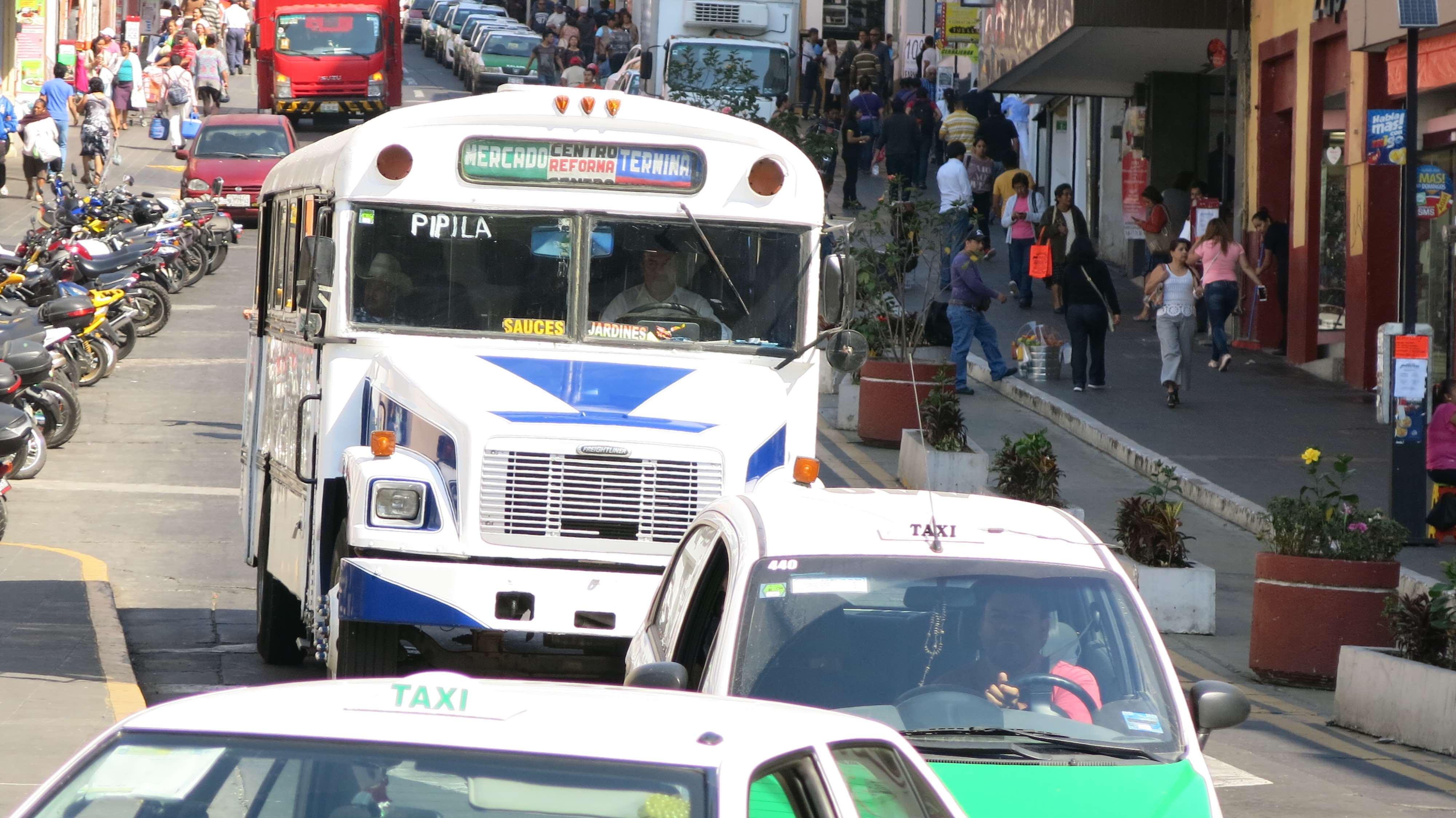 Conversión de vehículos del transporte público a gas natural tiene beneficios