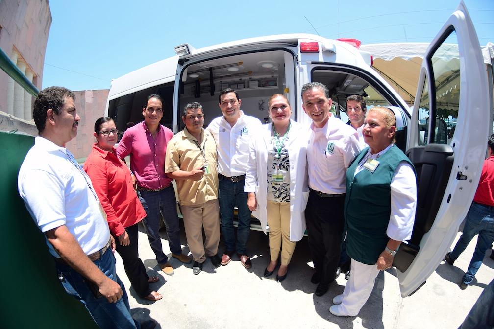 IMSS de Tamaulipas entrega ambulancia al municipio de Pánuco
