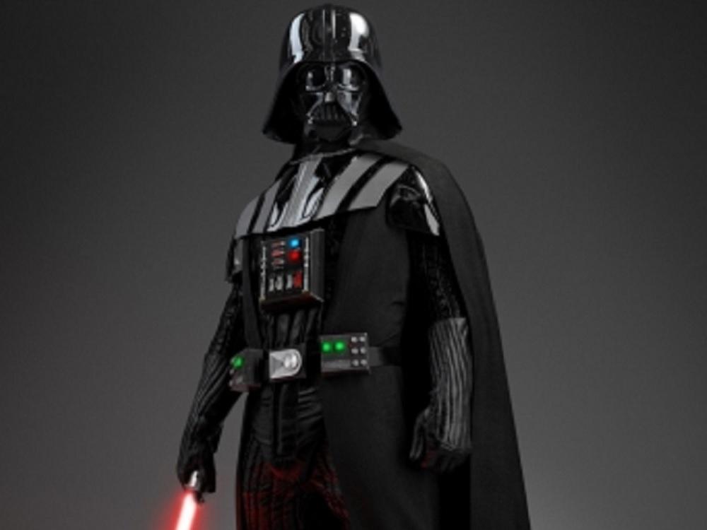 """Disfraz de """"Darth Vader"""" a subasta; esperan que alcance dos mdd"""
