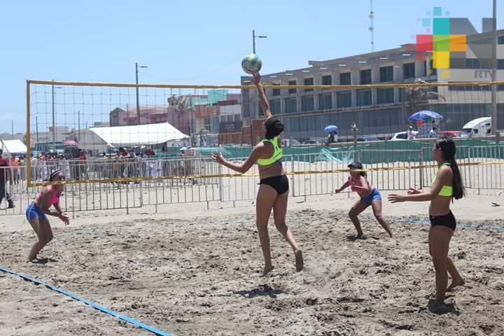 Leonas Coatzacoalcos a Festival Nacional de Voleibol de Playa