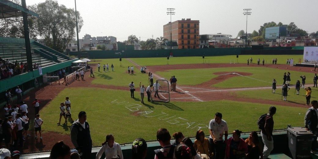 Promueven el beisbol en escuelas de Xalapa