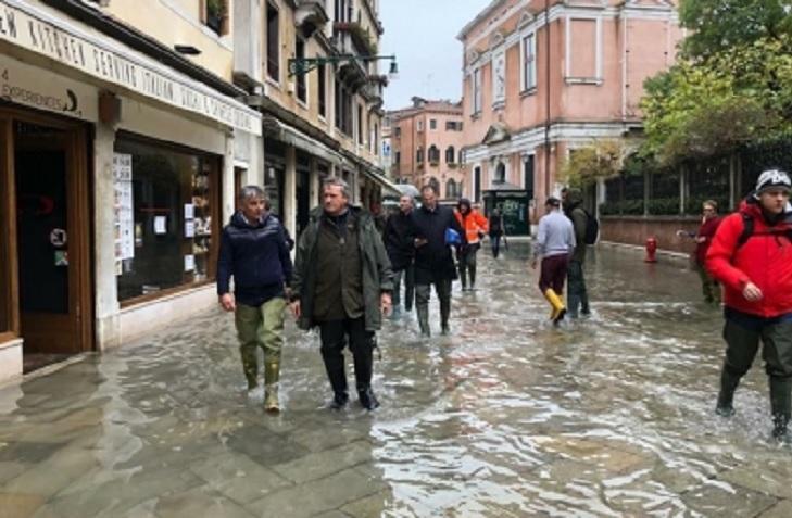 Cambio climático detrás de marea récord: alcalde de Venecia