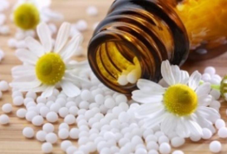 RAE cambia definición de la homeopatía, ya no es un sistema curativo