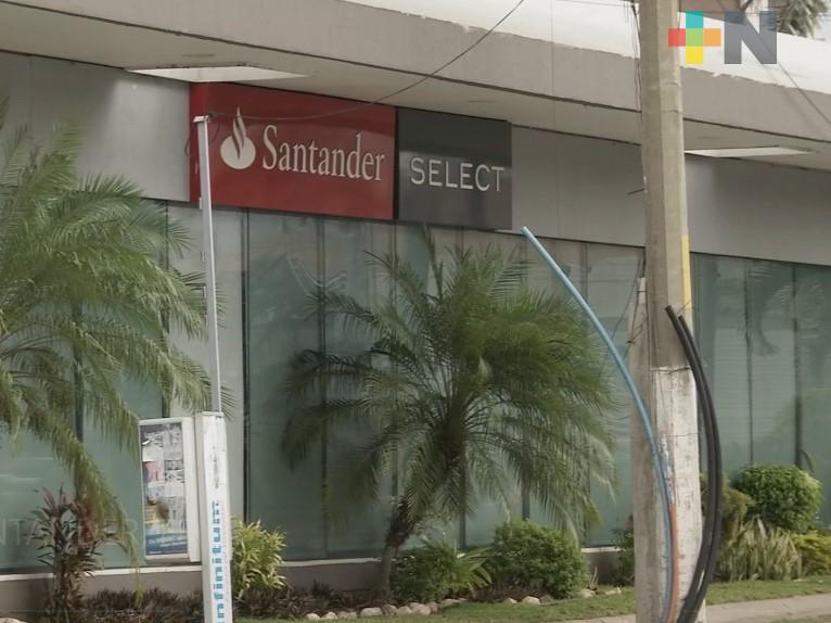 Banco Santander responde a manifestación de personas defraudadas