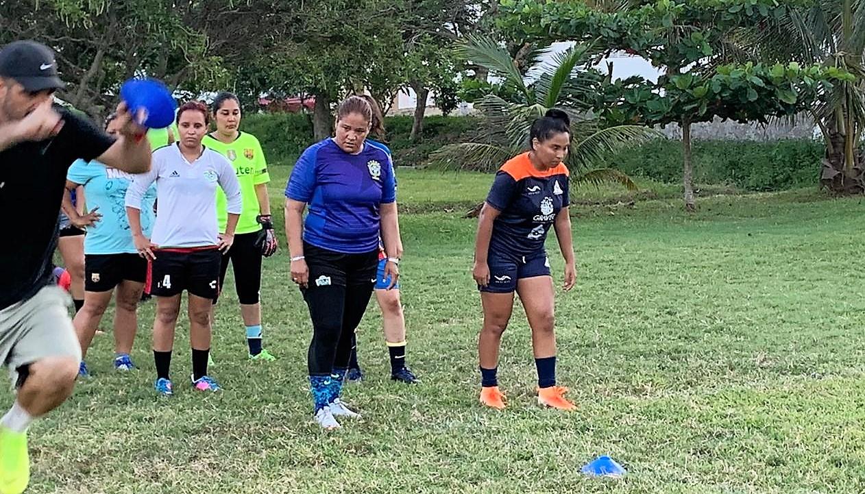 Equipos Jacqueline FC y Gallos Pro Veracruz invitan a visorias
