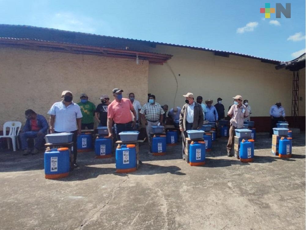 Entregan kits de protección a jefes de grupo de cosecha del ingenio El Potrero