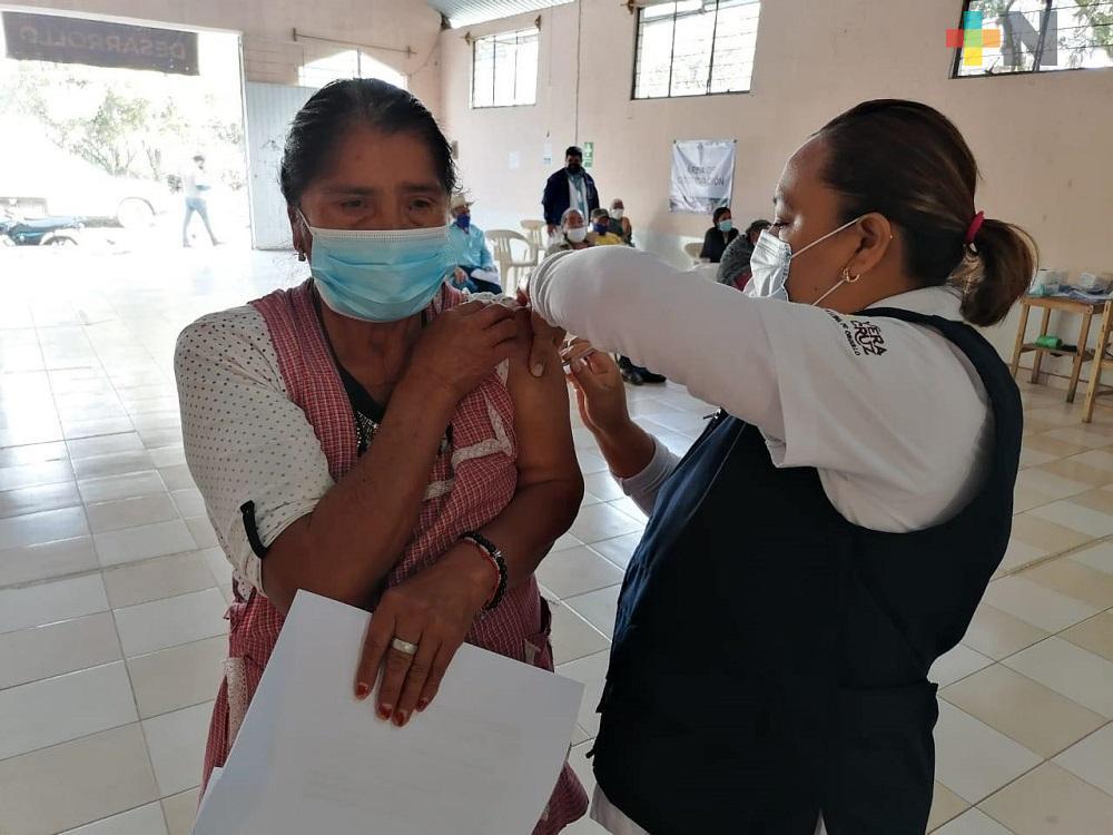 Se aplicaron 9 mil 700 vacunas contra COVID en Cosoleacaque
