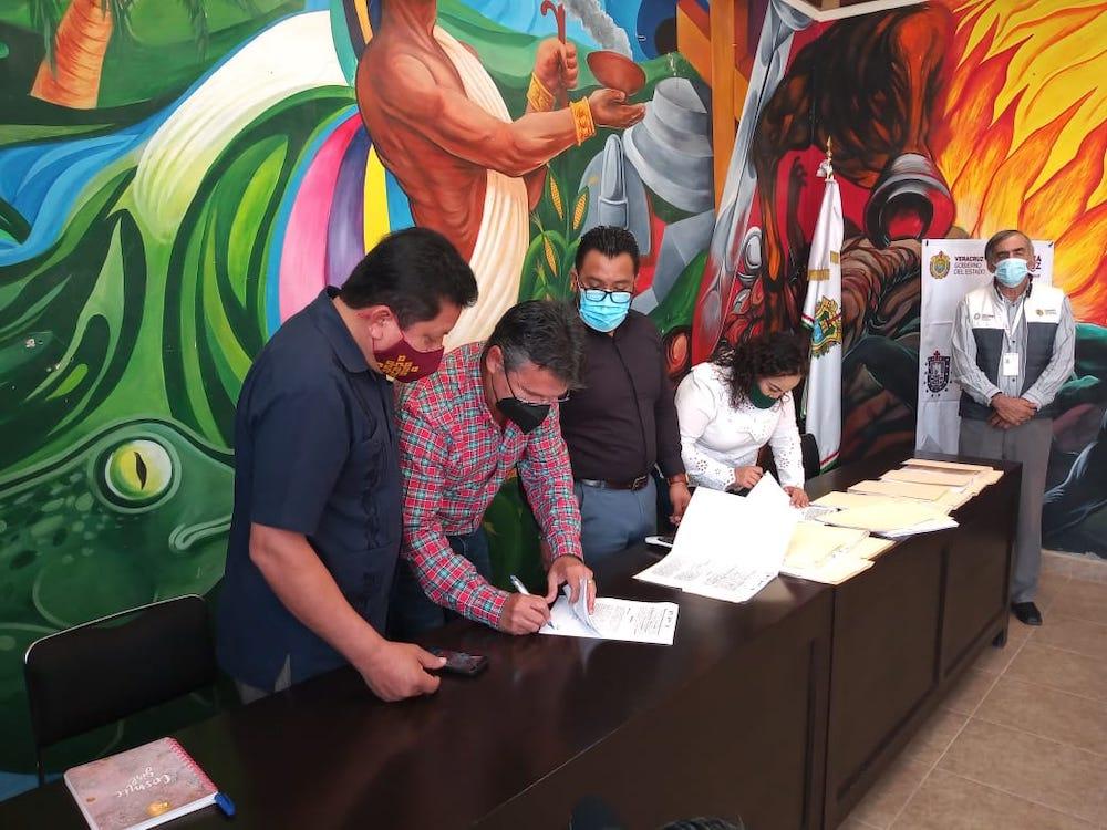 Firma SEDESOL convenio de colaboración con 36 alcaldes, para continuar mejorado viviendas
