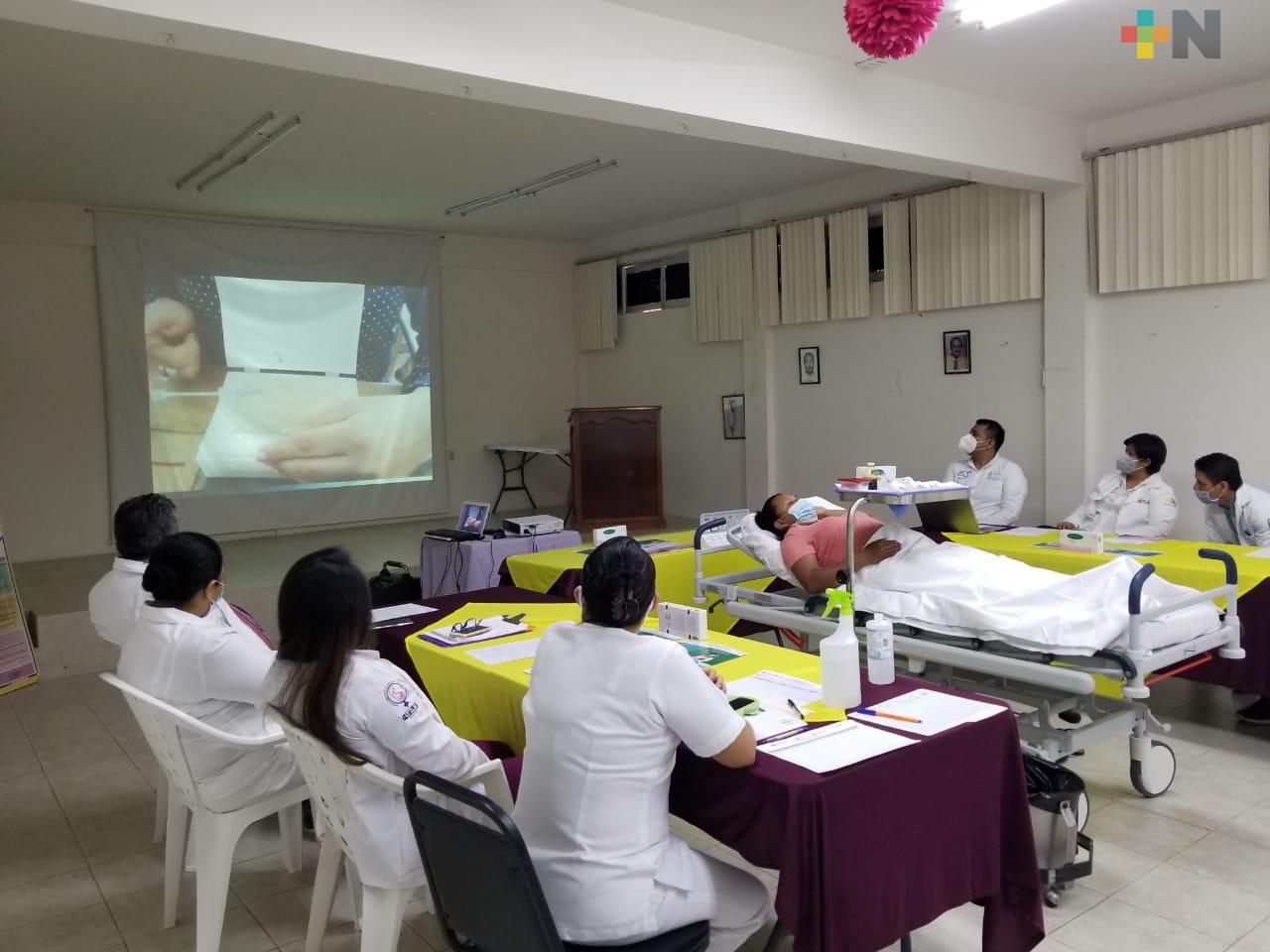 Capacitación y actualización constante al personal de enfermería, para atender cada vez mejor a la población