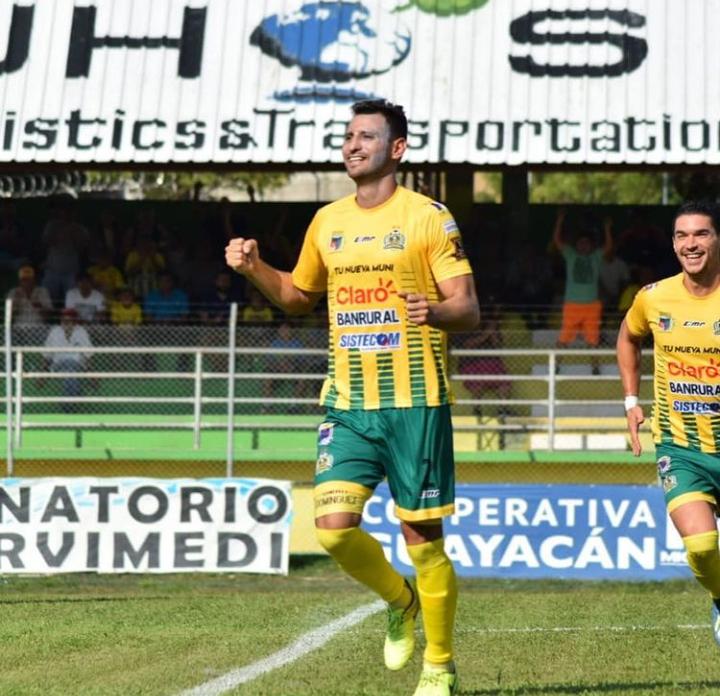 Omar Domínguez Deportivo Guastatoya en Liga de Campeones de la Concacaf