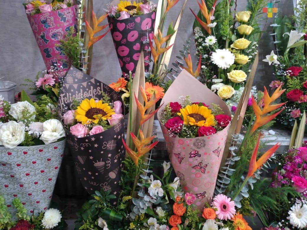 En Xalapa, aumenta precio de flores previo al 10 de mayo