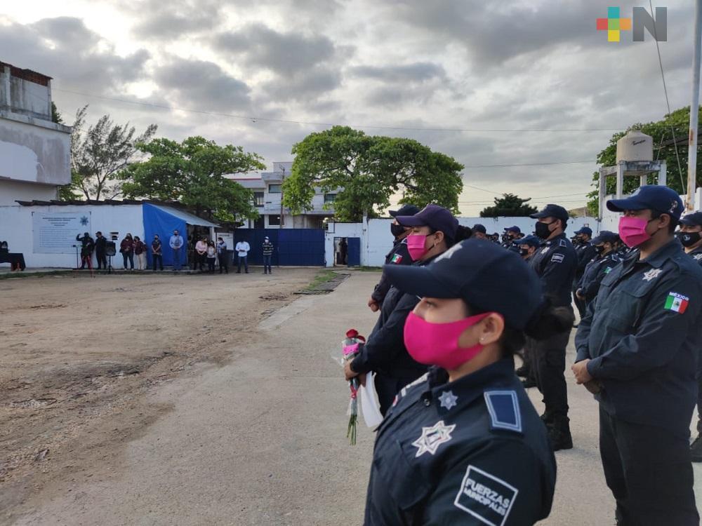 Alcalde y comandante de la Policía de Coatzacoalcos resaltan compromiso de la mujer