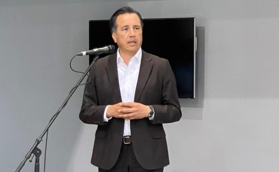Por decisión personal, gobernador de Veracruz se inmunizará hasta el final del programa de vacunación