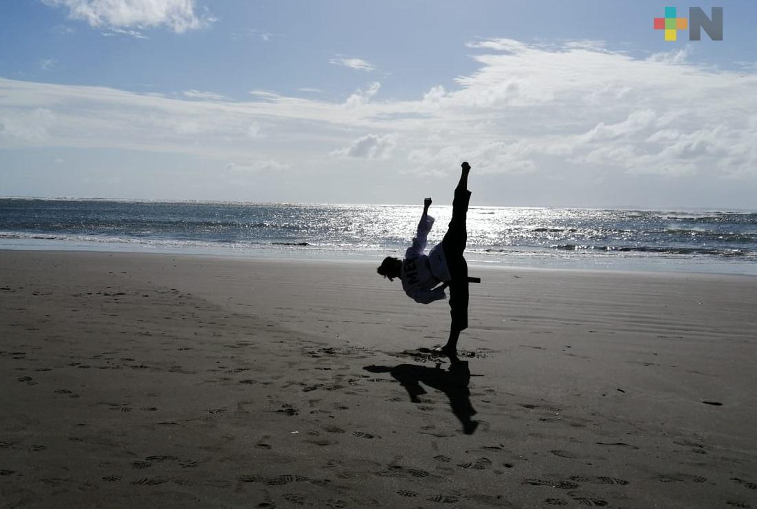 Katia Santiago brilló en Lents Taekwondo World Wide Sports