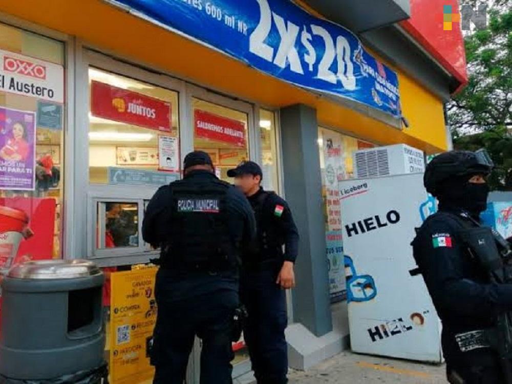 Policía de Coatzacoalcos exhortan a tiendas de conveniencia a colaborar con ellos para evitar robos