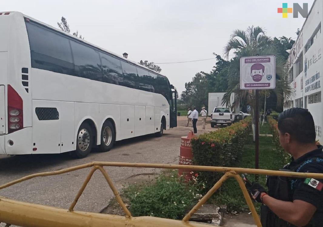 SSP rescata 35 migrantes en el sur de Veracruz, detienen a cuatro presuntos polleros