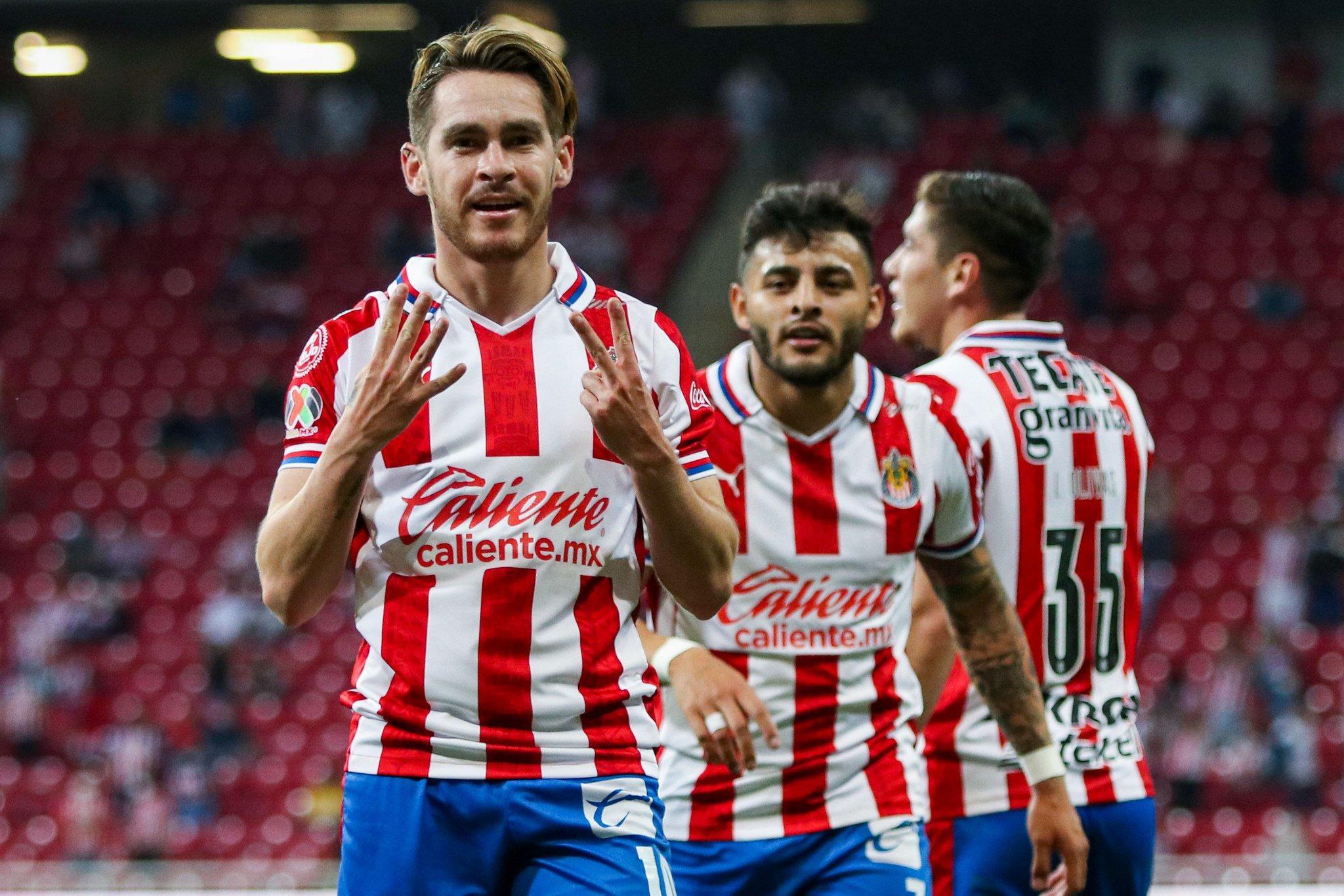 Chivas respira, derrotó 2-0 a Xolos