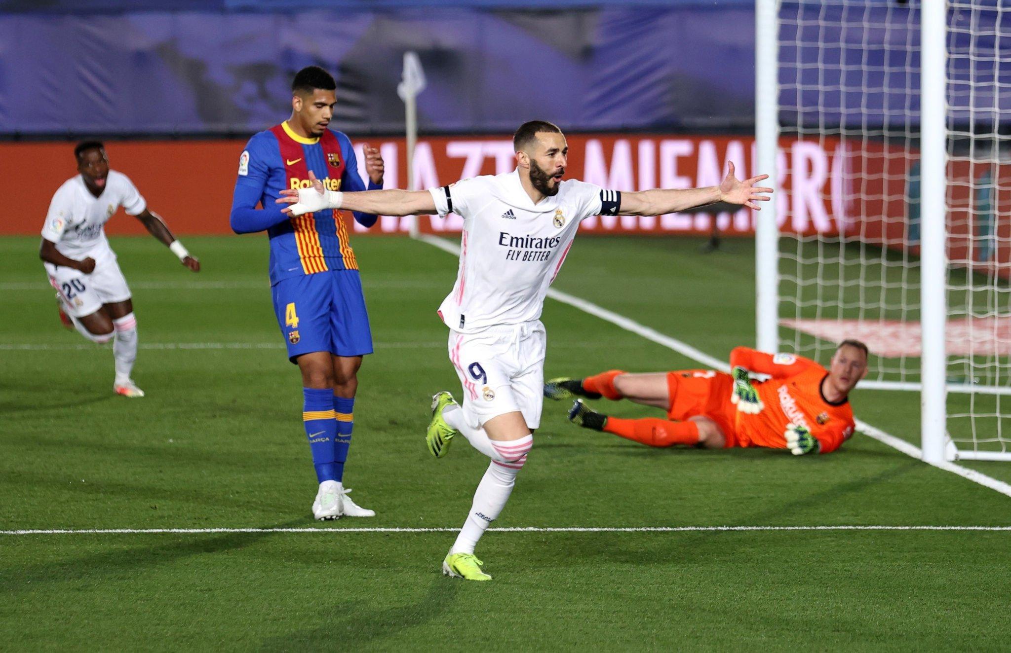 Real Madrid se llevó al clásico español al derrotar 2-1 al Barcelona