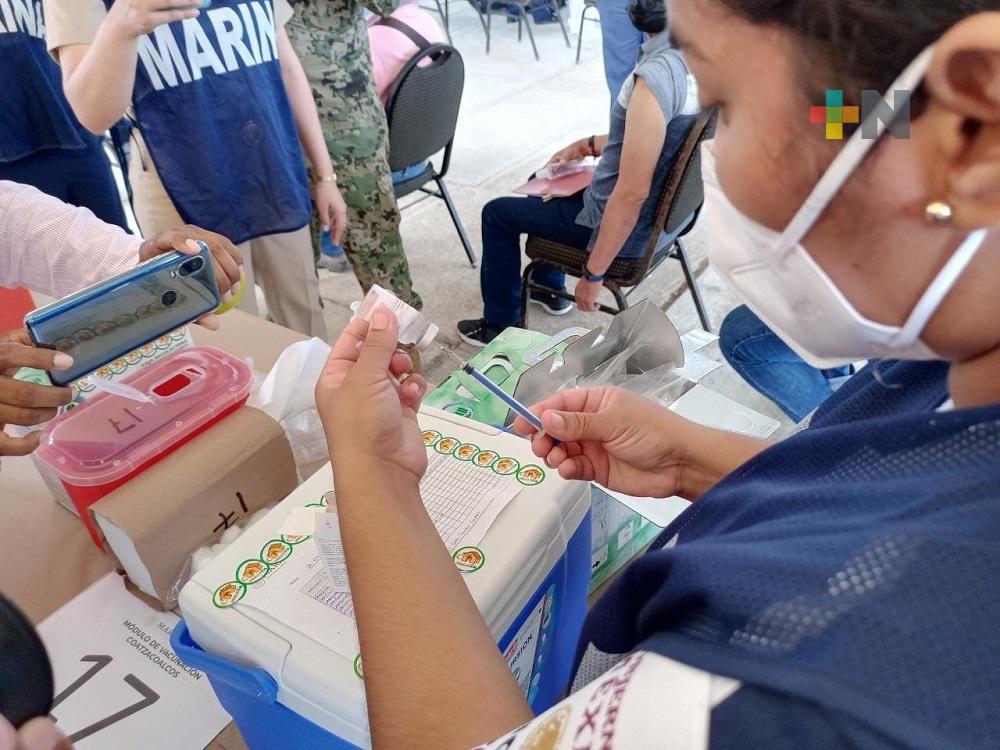 Hay 33 mil unidosis de vacuna CanSino para aplicar a docentes en el sur de Veracruz: Semar
