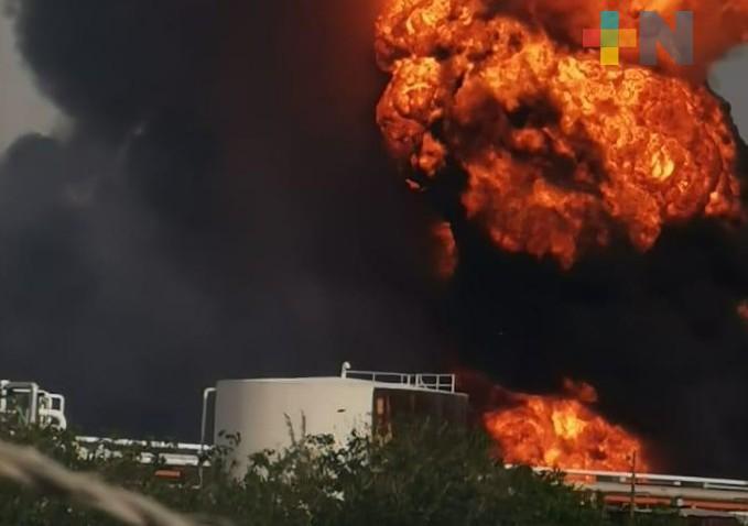 Explosión en refinería Lázaro Cárdenas, en Minatitlán