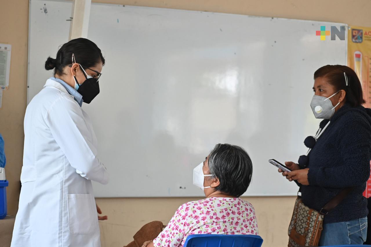 Adultos mayores de Tantoyuca deben aprovechar vacuna CanSino