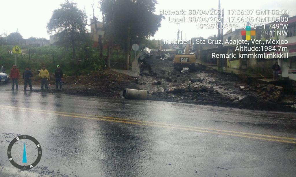 Lluvia provocó deslaves, un derrumbe y daños en viviendas, en la zona centro