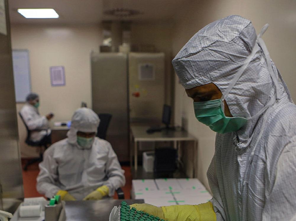 OMS insiste en que los beneficios de AstraZeneca superan los riesgos de trombos