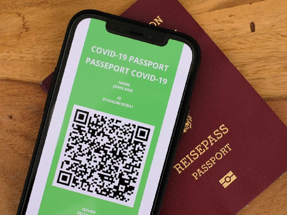 Pasaportes de vacunación de COVID-19 pueden dejar países aislados: OMS