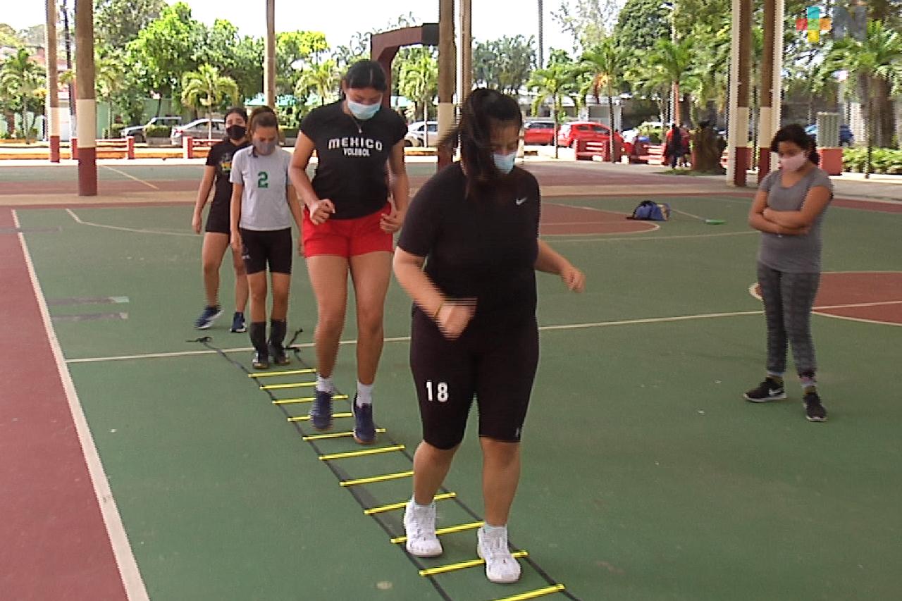 Reanuda entrenamientos club Ranitas de voleibol