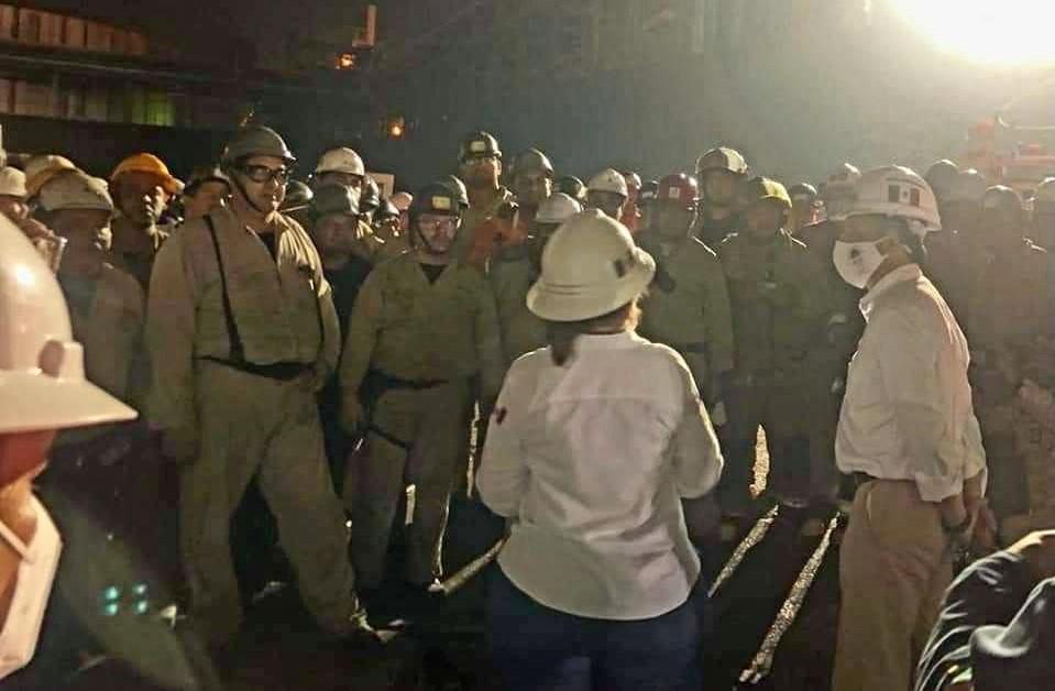 Reconocen Rocío Nahle y Cuitláhuac García, acción de trabajadores de Pemex por controlar incendio en Minatitlán