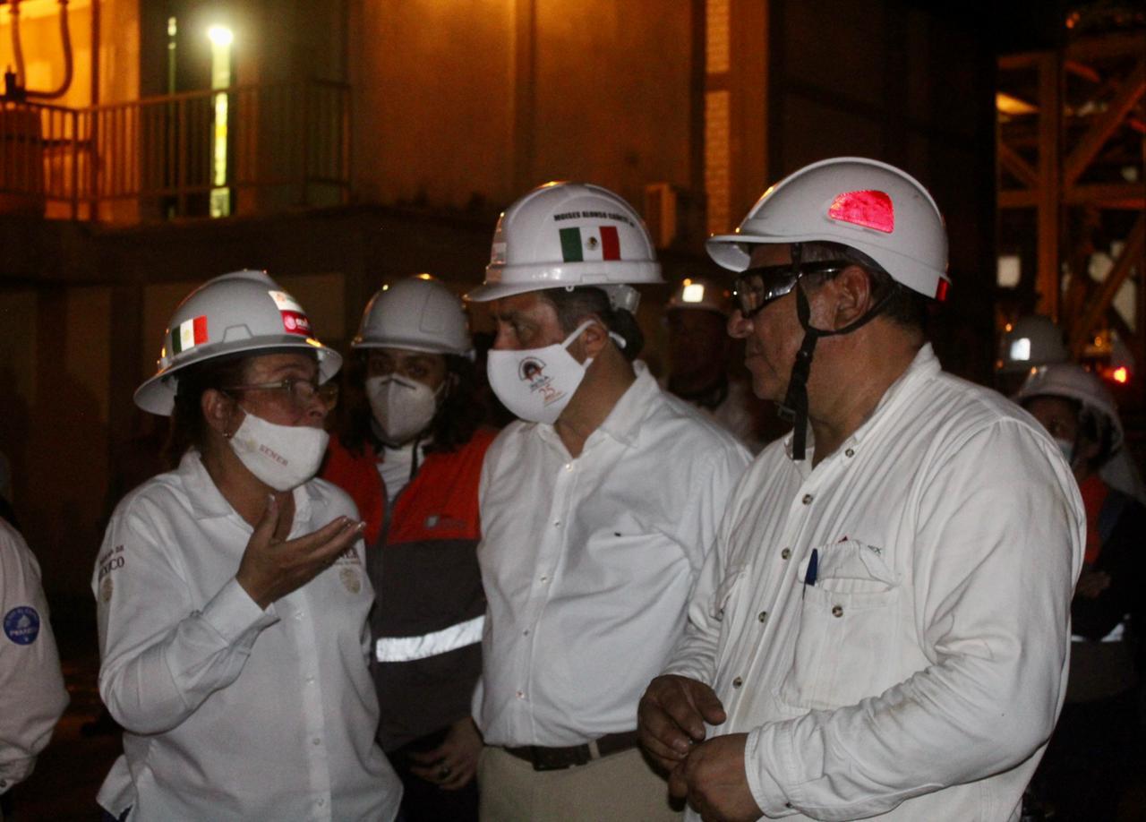 Gobernador de Veracruz reportó liquidación del incendio en la refinería de Minatitlán